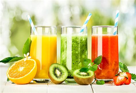 15 Best Fruit and Vegetable Juices for Glowing Skin
