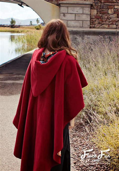 How to Make a Cloak (free pattern and easy instructions) ♥