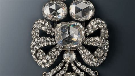 Thieves Steal Priceless Diamonds In Heist At Dresden's