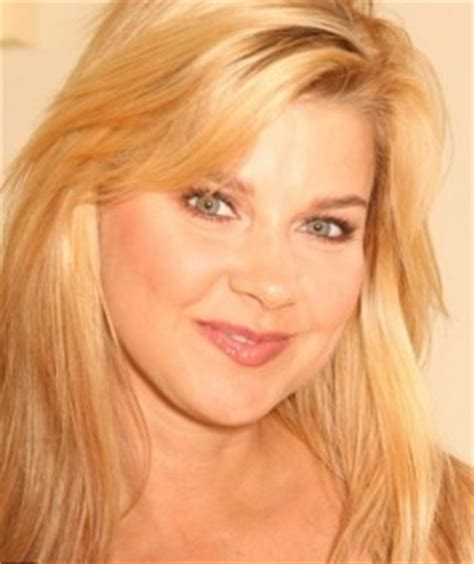 Amy Lindsay weight, height and age