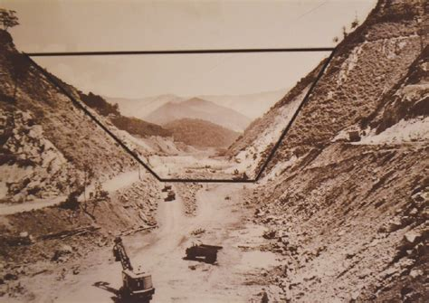 Scenes of flooded town on display at Butler Museum - The