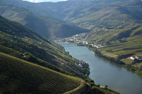 Trip Guide To Douro Valley In Portugal - XciteFun